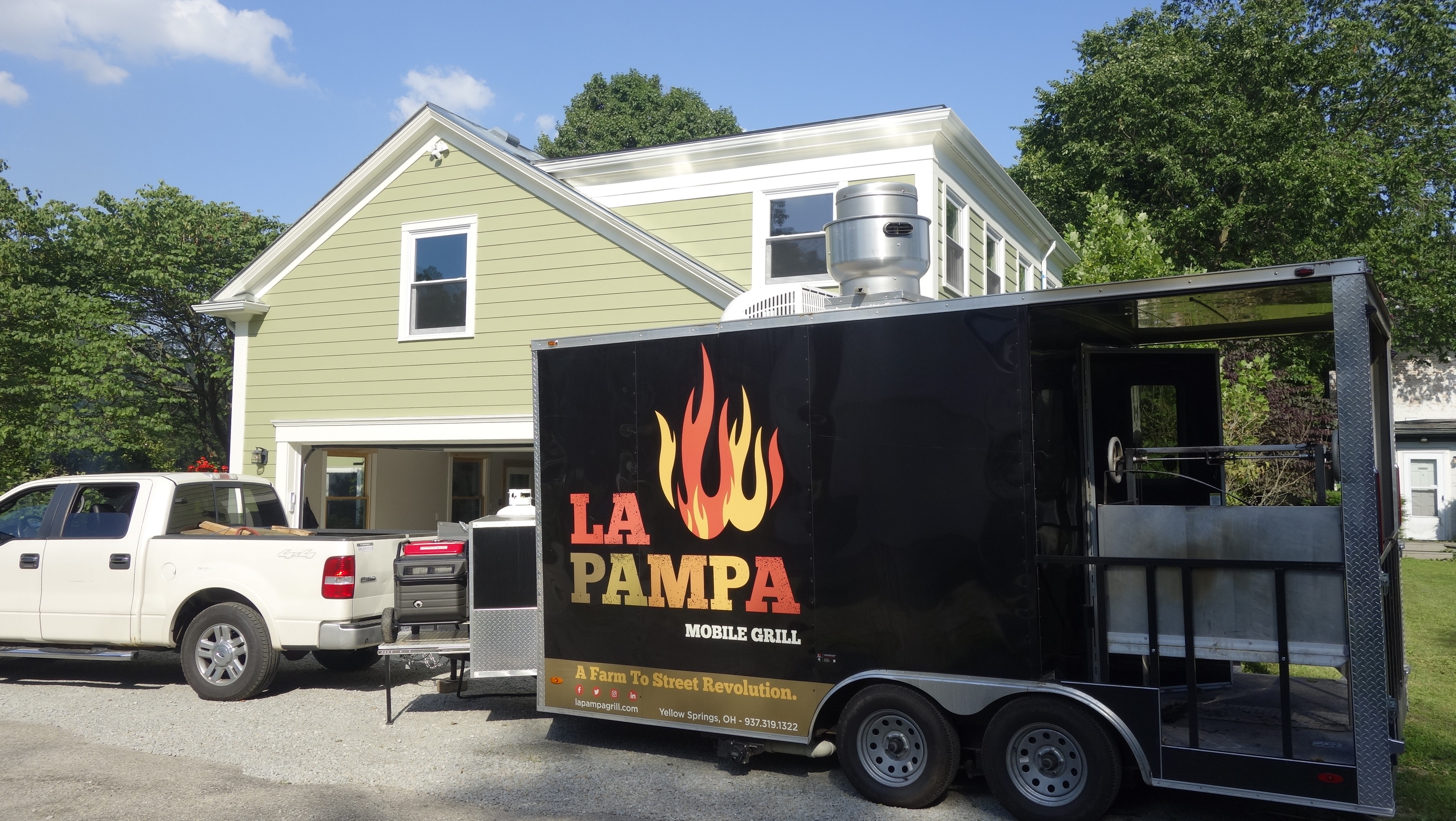 Our fully equipped kitchen and grill is mobile—let us bring the event to you!